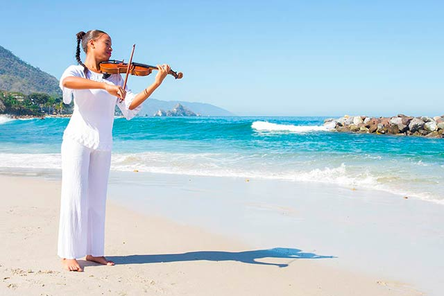 Kenia Marquez Landa - Violin